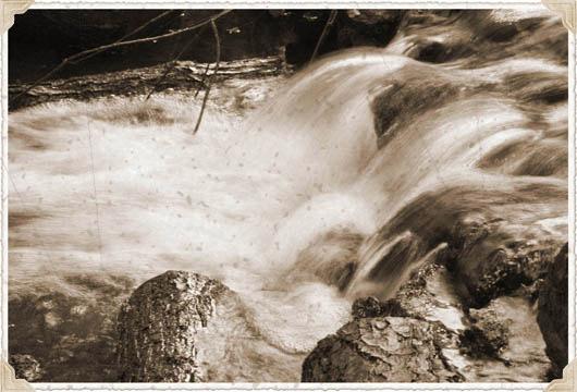 river-vintage-photo