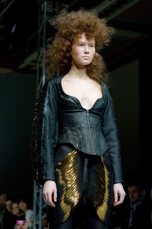 iris-van-herpen-leather