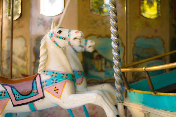 cheval-blanc-de-bois