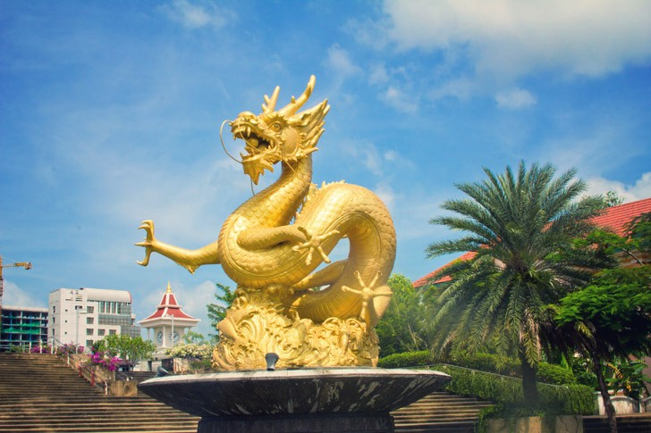 golden-dragon.jpg_effected