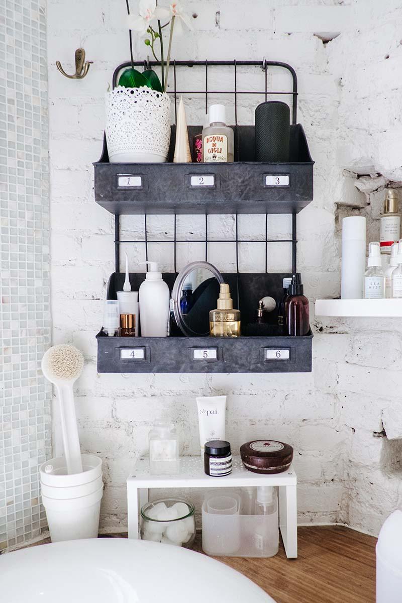 mes petites id es de rangement pour la salle de bain. Black Bedroom Furniture Sets. Home Design Ideas